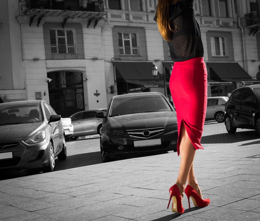 phối đồ đen và đỏ