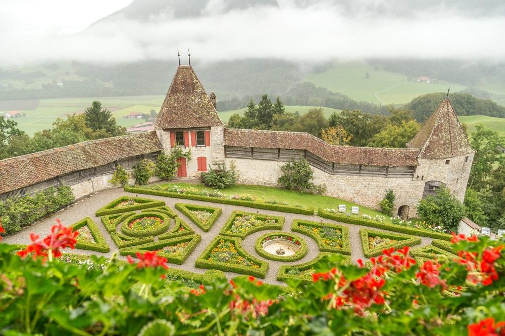 lâu đài Gruyere
