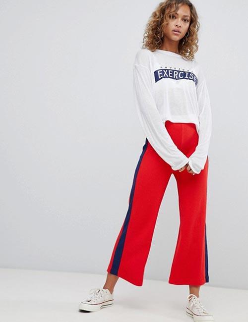 Culottes sọc đỏ với áo oversize